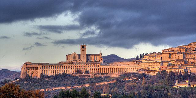 Assisi Skyline - Wikipedia