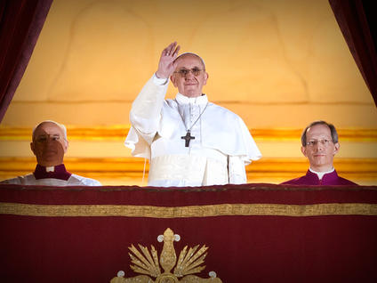Pope-Francis-waves-from-the-balcony-of-St-Peter-s_medium